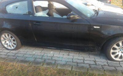 Betörték a kocsi ablakát, kiszúrták a gumijait szenteste Zalaegerszegen