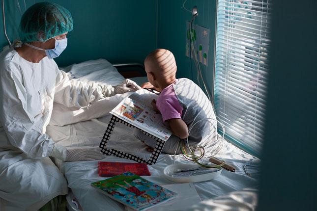 Hatalmas fejlődés a gyermekleukémia gyógyításában – idén 50 évesek a Gyermekgyógyítók