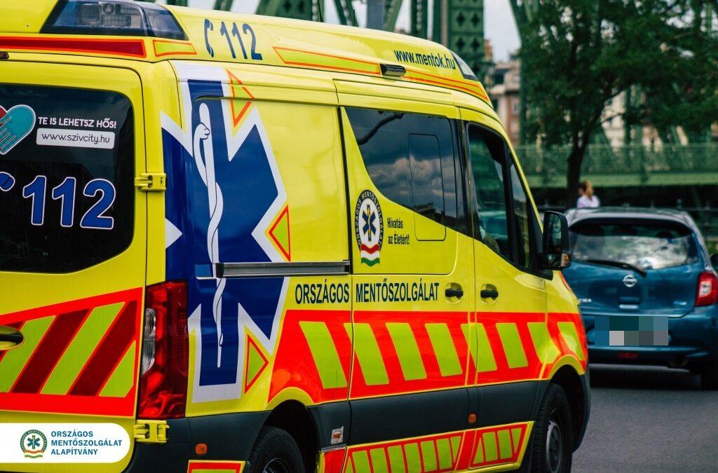 Ön tudna segíteni, amíg kiérkeznek a mentők?