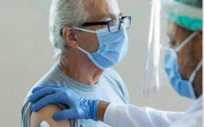 Itt a példa! Tájékoztatás a COVID védőoltásokról angol módra, magyarul